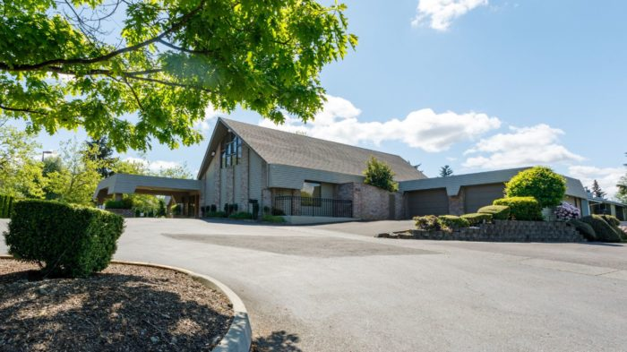 BONNEY WATSON Federal Way funeral home, exterior