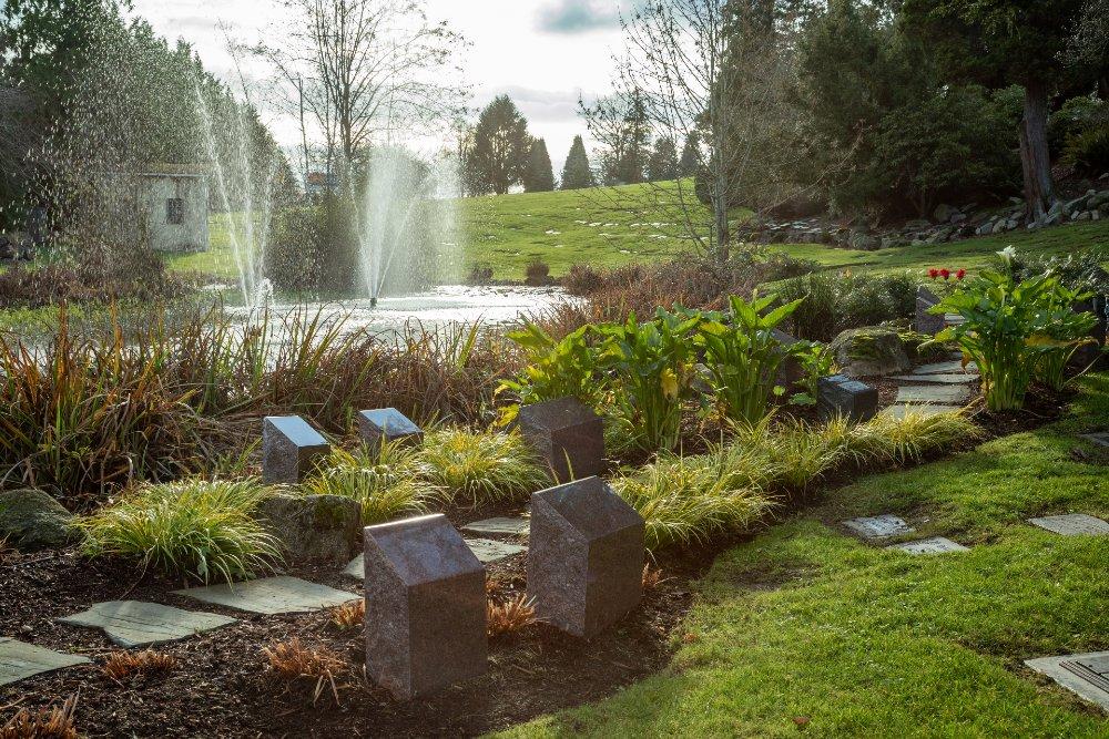 Lakeside Cremation Garden in Washington Memorial cemetery